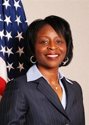 Linda Thomas, Warden